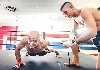 beneficio de aprender autodisciplina con el entrenamiento de muay thai