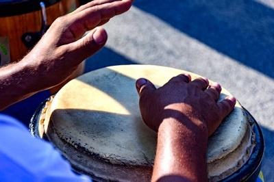 el atabaque en la roda de capoeira