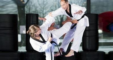 postura estándar del karate