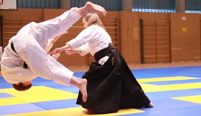 Manual paso a paso de técnicas de aikido para defensa personal