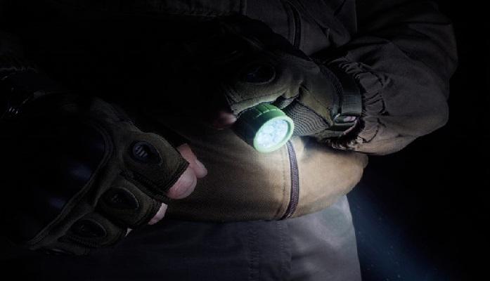 comprar linterna tactica de los militares